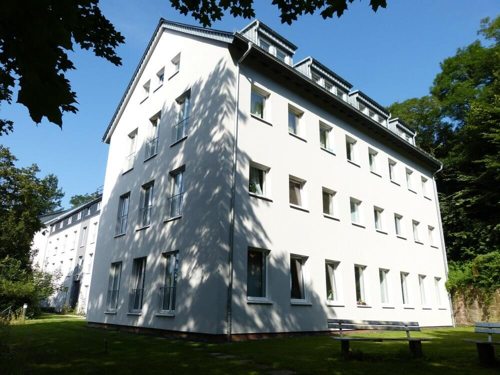 Blick auf das Carls Duisberg Haus