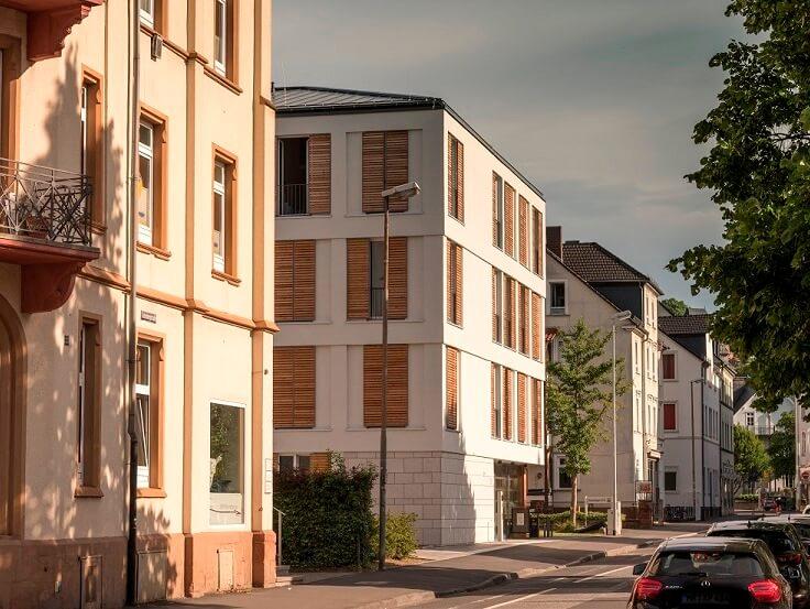 Ein Blick auf die Gutenbergstraße, mit dem Wohnheim im Haus Nr. 31
