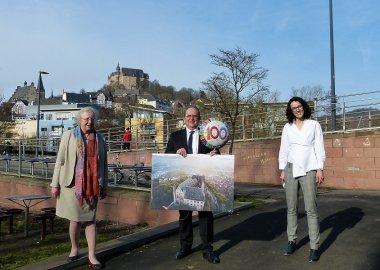 100 Jahre Studentenwerk Marburg -  Ministerin und Uni-Präsidentin überbringen persönlich Glückwünsche zum 100. Geburtstag